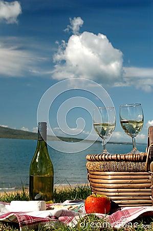 Picknick durch das Meer