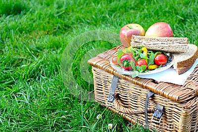 picnic basket Stock Photo