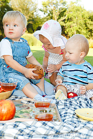 Free Picnic For Kids Royalty Free Stock Image - 16121136