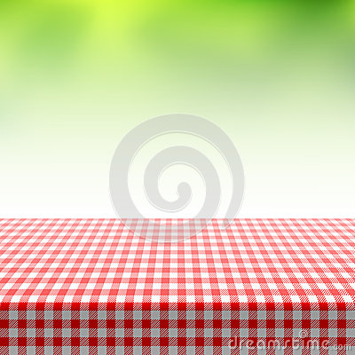 Free Picnic Table Covered With Checkered Tablecloth Stock Images - 40981574