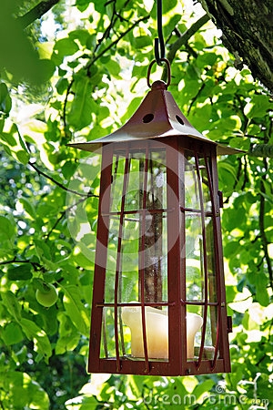 Picturesque candle lantern