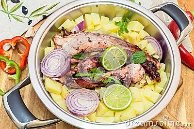 Piec na grillu ośmiornica z warzywami