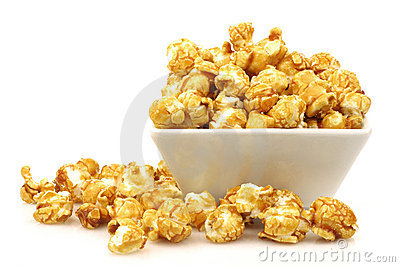 Pieces of caramel  popcorn in a  bowl