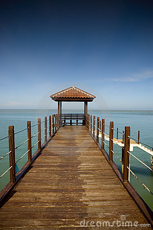 Free Pier Royalty Free Stock Image - 598346