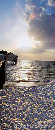 Free Pier At Clearwater Beach Royalty Free Stock Images - 2550139