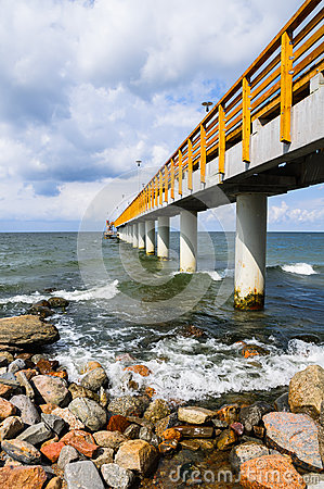 Free Pier Or Jetty Royalty Free Stock Photography - 32883917