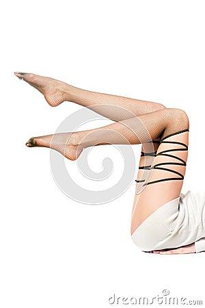 Piernas de las mujeres bien proporcionadas hermosas en pantyhose