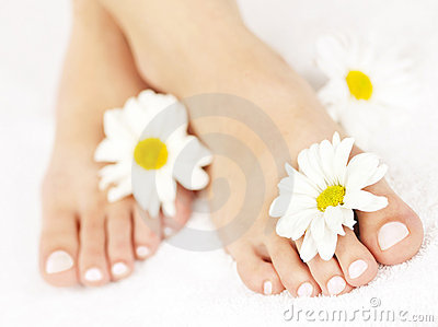 Pies femeninos con pedicure