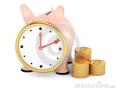 Piggybank com face do relógio e pilha de moedas de ouro