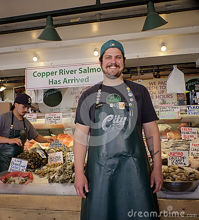 Free Pike Place Market, Fish Seller, Seattle Stock Photos - 57716983