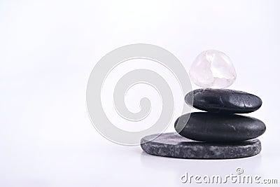 Pila aislada de piedras lisas