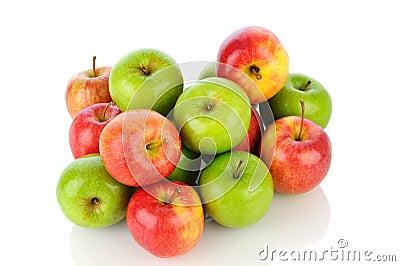 Pila de manzanas de Smith del vendaval y de abuelita