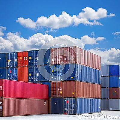 Pila di container