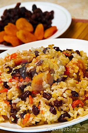 Pilaf made of rice and dried fruits.