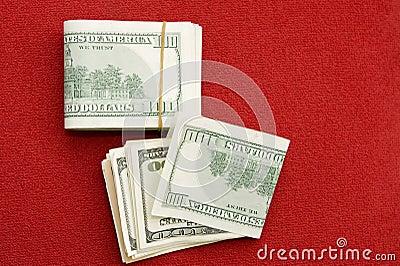 Pile de $100 factures