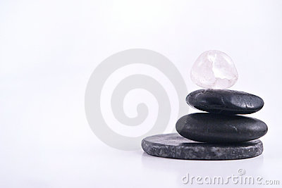 Pilha isolada de pedras lisas