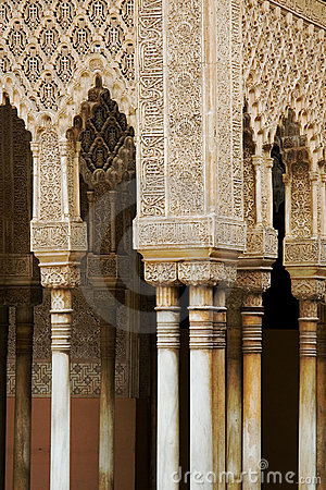 Alhambra architecture detail_pillars