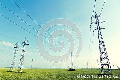 Piloni di elettricità