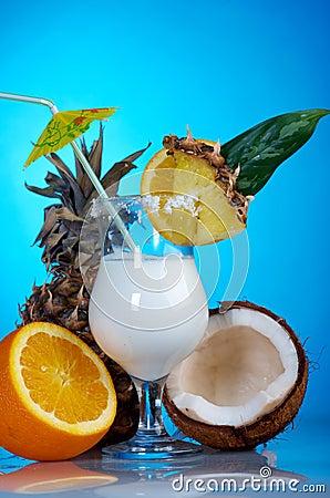Pina Colada -与奶油的鸡尾酒