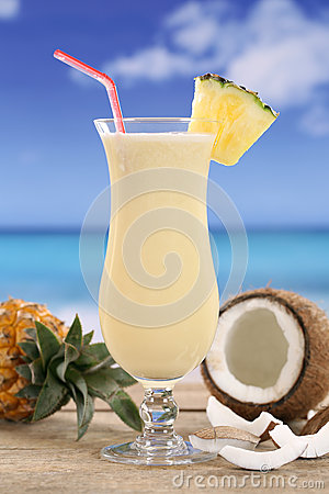 Free Pina Colada Cocktail With Fruits On The Beach Stock Photography - 40285552
