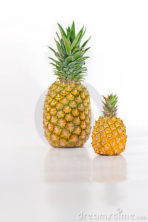 Pineapple Big And Small Royalty Free Stock Images - Image ...