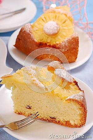 Free Pineapple Cake With Raisins Royalty Free Stock Photos - 16809308