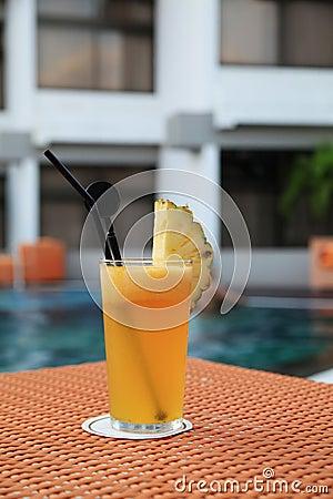 Pineapple fruit juice beverage