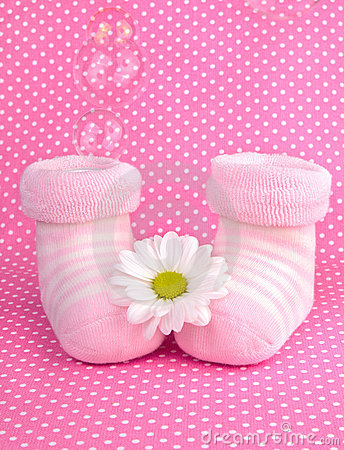 Free Pink Baby Girl Knitted Socks Or Shoes Royalty Free Stock Photos - 22746738