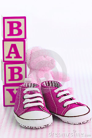 Free Pink Baby Shoes Stock Photo - 13970430