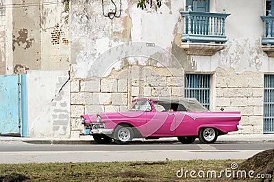 Pink cabrio in Havana