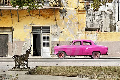 Pink car in Havana