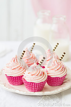 Free Pink Cupcakes Royalty Free Stock Photography - 31749667