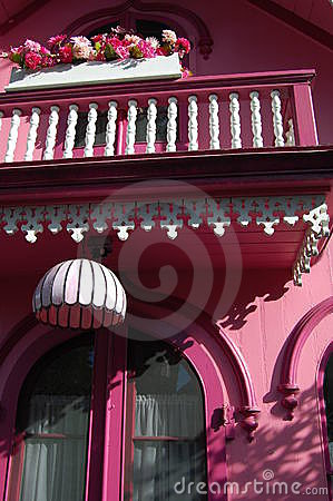 Free Pink House With Railing Royalty Free Stock Photo - 14340045