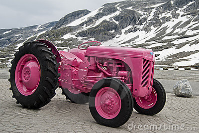 Pink tractor in Norway