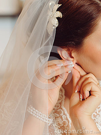 Free Pinning Earring Stock Photo - 48024980