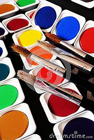 Bürsten und Farben