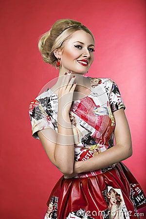 Free Pinup Fashion Woman Smiling In Dress Stock Image - 43393361