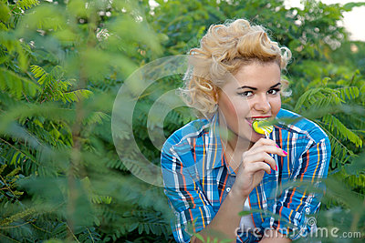 Pinup woman with lollipop
