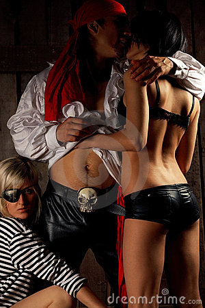 Free Pirate  With Pair Sexy Girls Stock Photos - 21003513