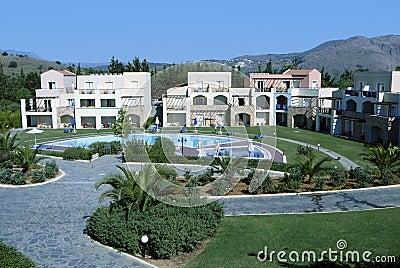 A piscina do hotel relaxa