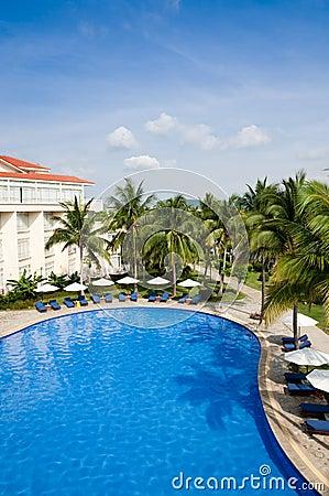 Piscina tropical del centro turístico