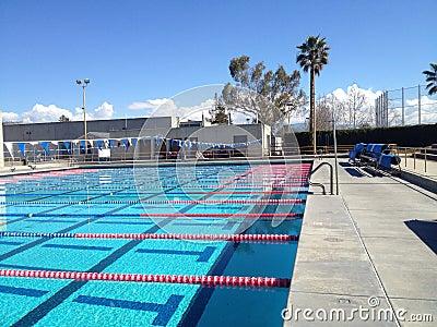 piscine olympique de taille photo stock image 50877748. Black Bedroom Furniture Sets. Home Design Ideas
