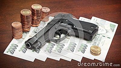 Pistola e soldi