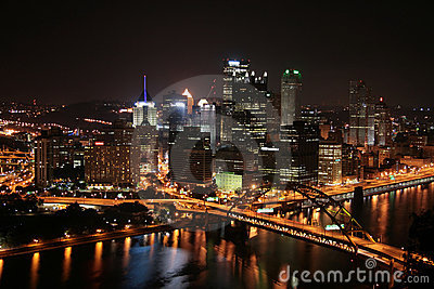 Pittsburgh s skyline at Night