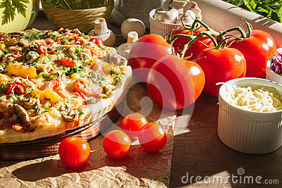 Pizza made with fresh tomatoes