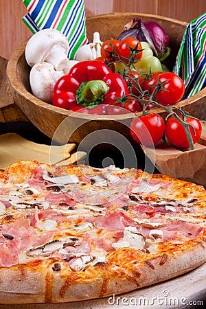 Pizza Prosciuto e Funghi
