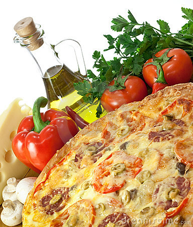 Free Pizza With Cheese, Tomatoes And Mushrooms Royalty Free Stock Image - 9043806