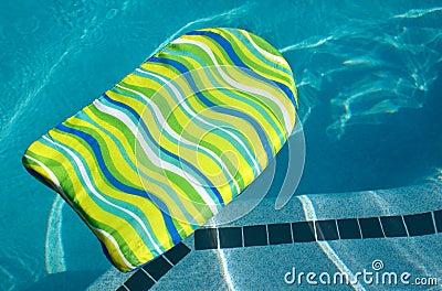 Placa do retrocesso da dança na piscina