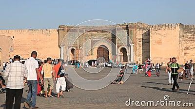 Place principale dans Meknes, Maroc banque de vidéos