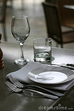 Free Place Setting At Restaurant Stock Photo - 553460